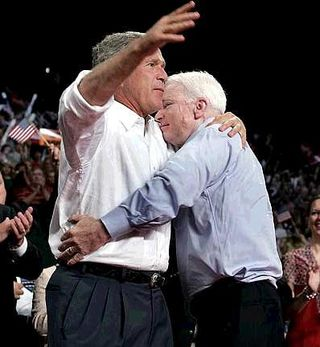 Mccain_hugs_bush