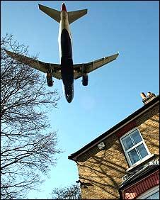 _45378938_planes226longgetty