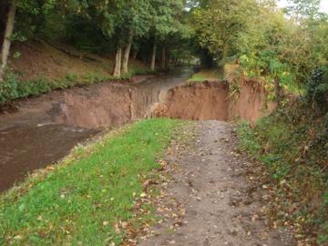 Monmouthshireandbreconcanalbreach_2